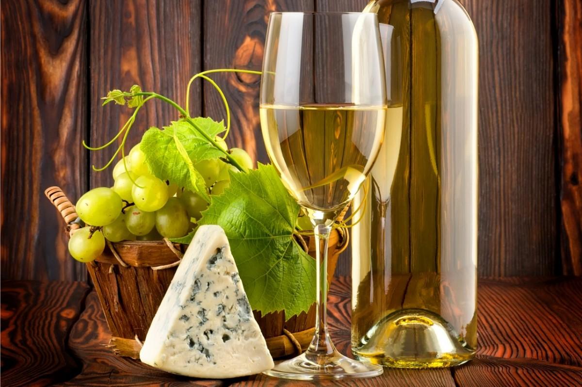 Пазл Собирать пазлы онлайн - Белое вино и сыр
