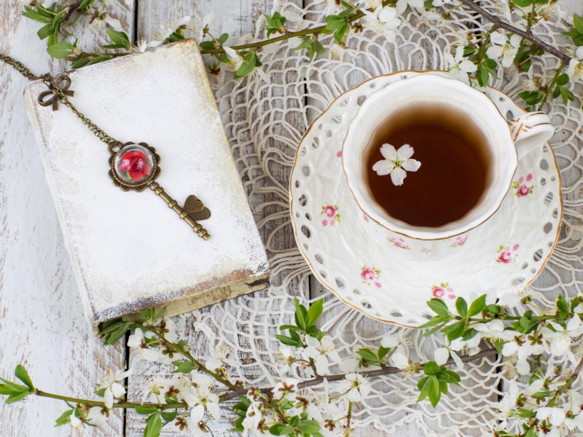 Пазл Собирать пазлы онлайн - Чай с цветами