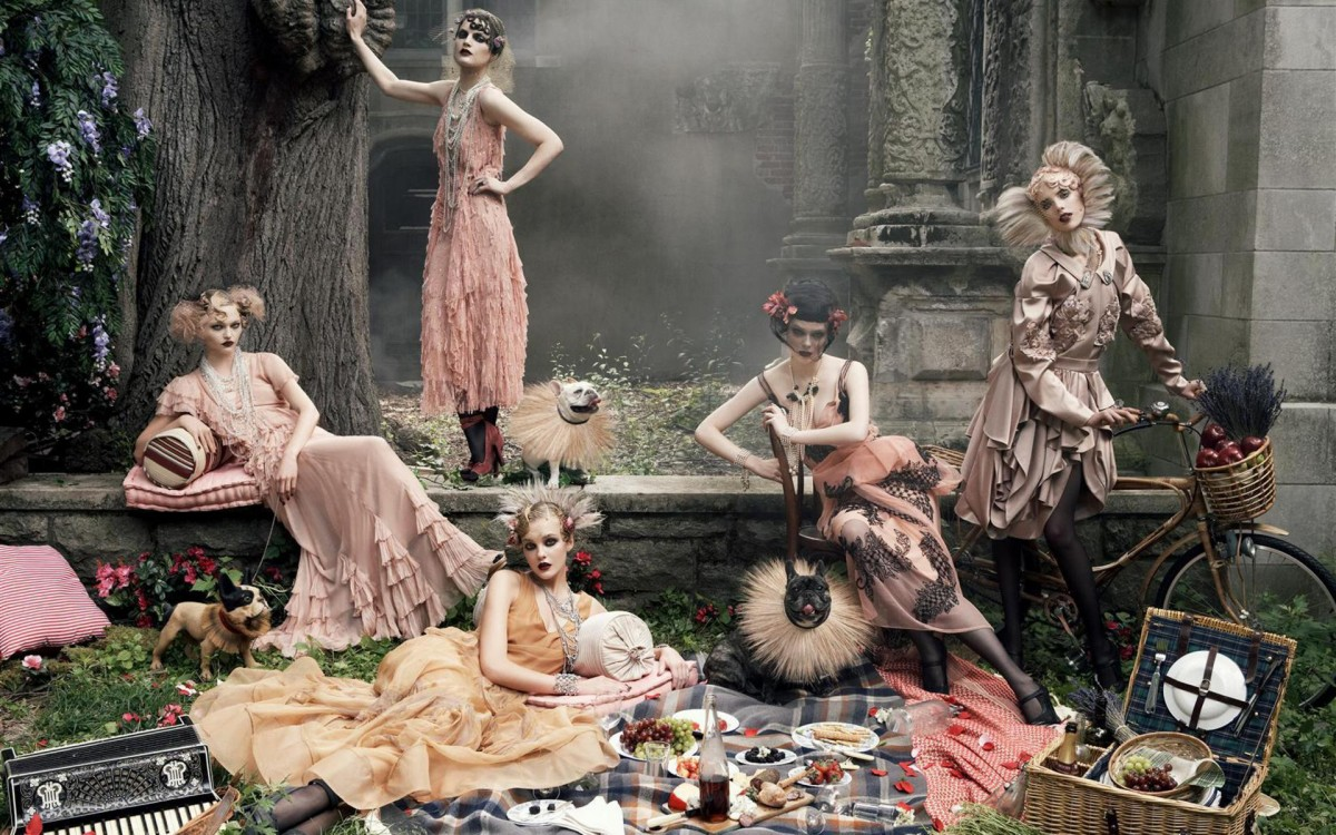 Пазл Собирать пазлы онлайн - Девушки на пикнике