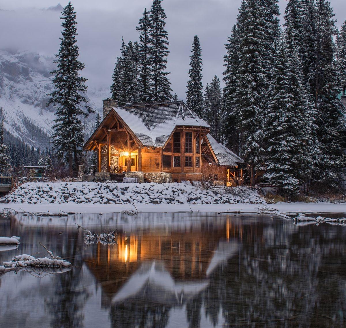 Пазл Собирать пазлы онлайн - Дом на озере