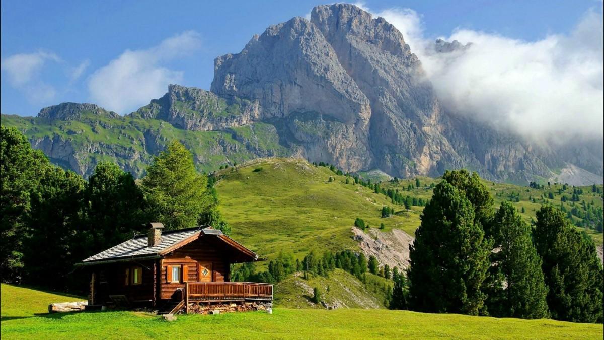 Пазл Дом среди гор