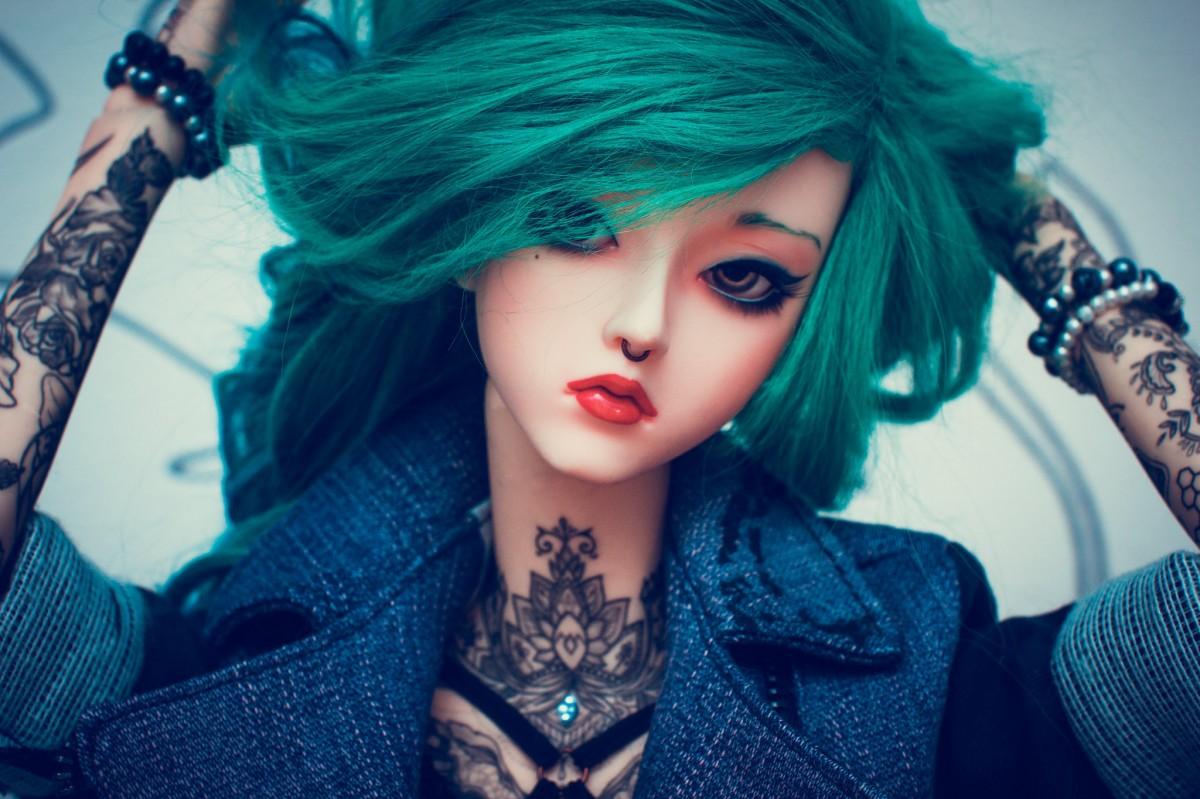 Пазл Собирать пазлы онлайн - Дорогая кукла