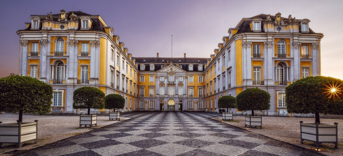 Пазл Собирать пазлы онлайн - Дворец в Германии