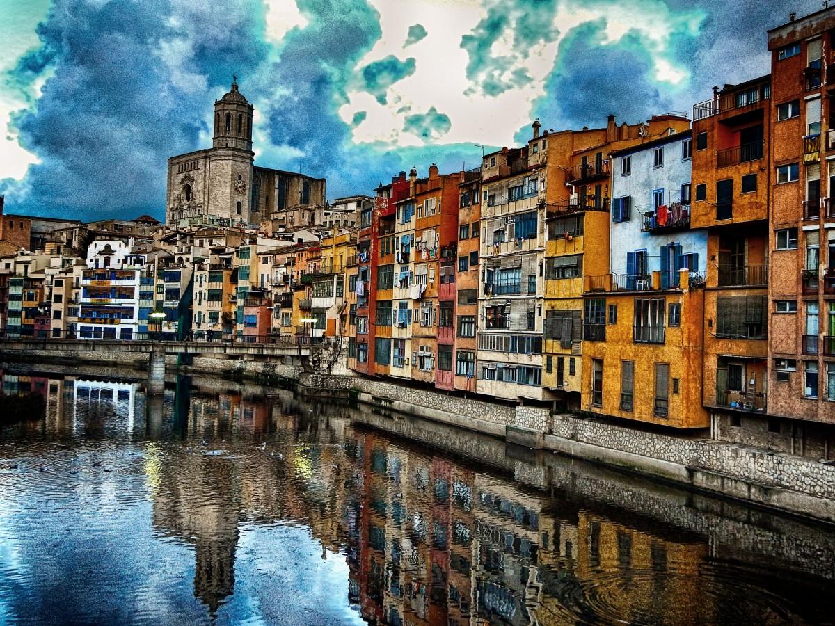 Пазл Собирать пазлы онлайн - Гирона Испания