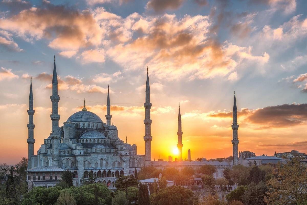 Пазл Собирать пазлы онлайн - Голубая мечеть
