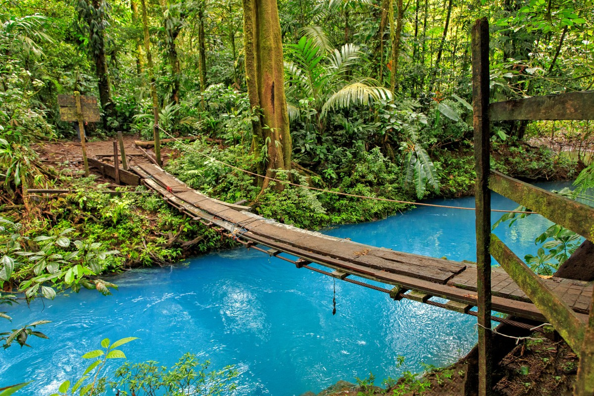 Пазл Собирать пазлы онлайн - Голубая река