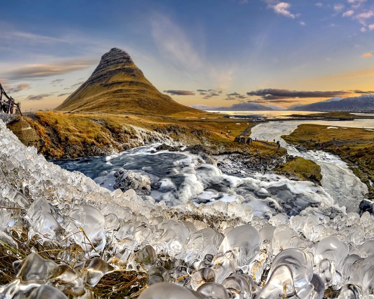 Пазл Собирать пазлы онлайн - Гора и лед