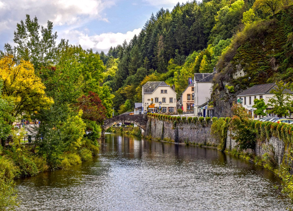 Пазл Собирать пазлы онлайн - Городок в Люксембурге