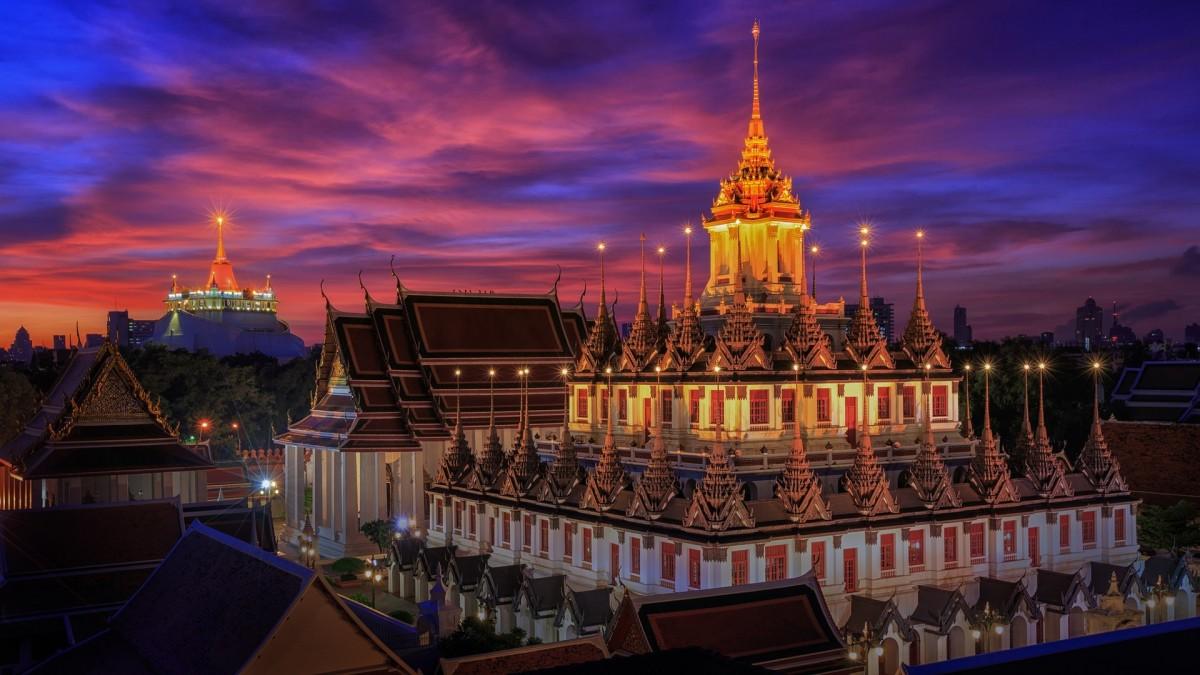 Пазл Собирать пазлы онлайн - Храм в Бангкоке
