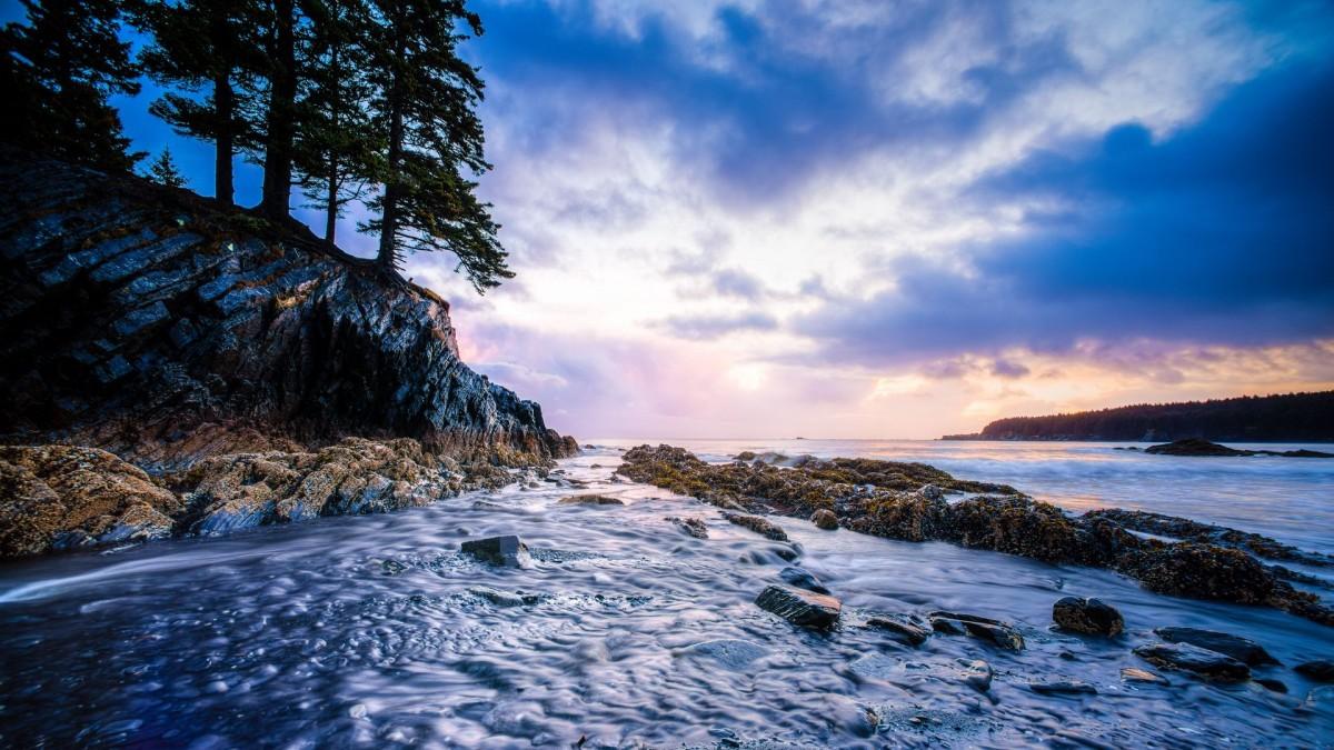 Пазл Собирать пазлы онлайн - Камень и вода