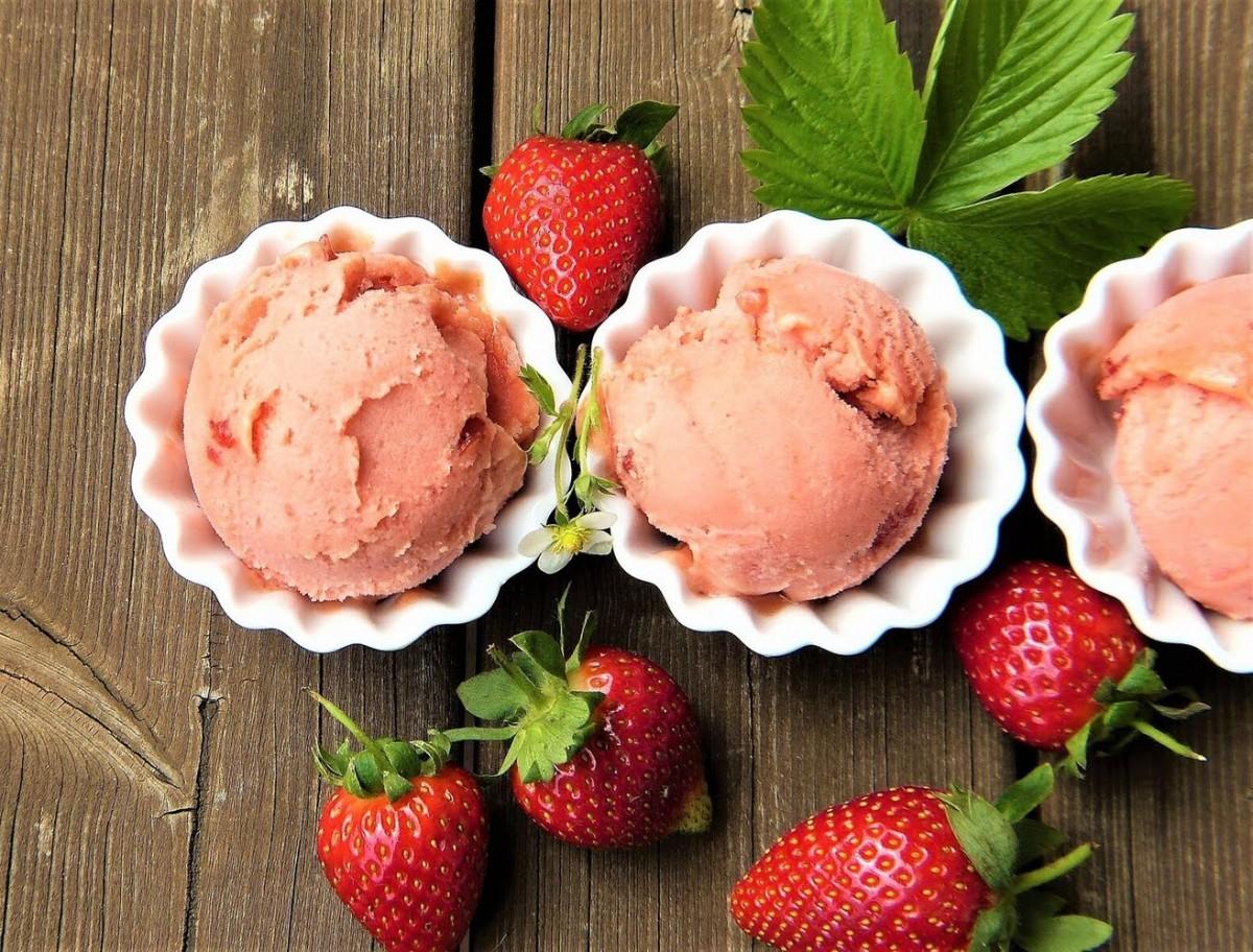 Пазл Собирать пазлы онлайн - Клубничное мороженое