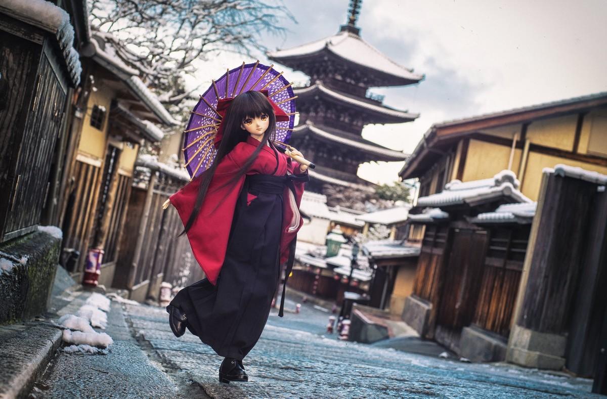 Пазл Собирать пазлы онлайн - Кукла в Киото
