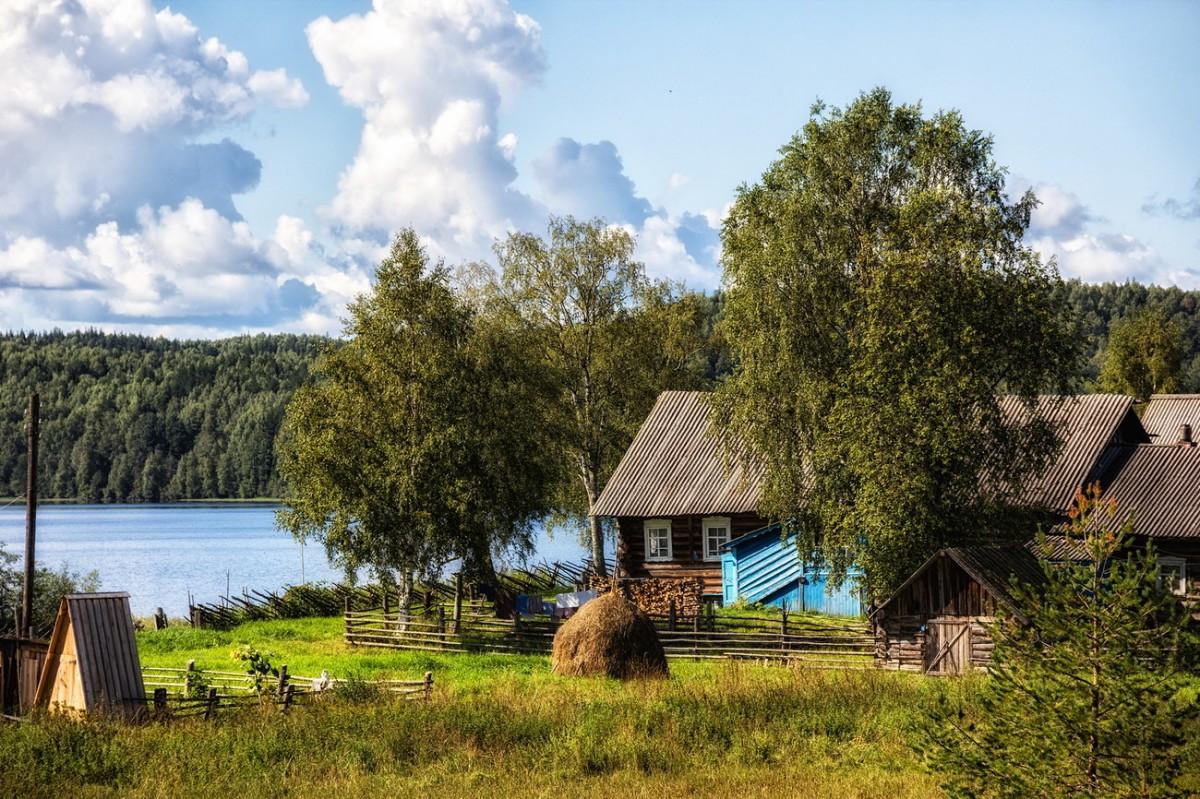 Пазл Собирать пазлы онлайн - Дом в деревне