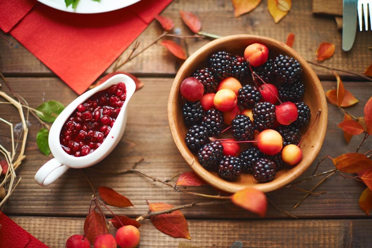 Пазл Собирать пазлы онлайн - Листья и ягоды