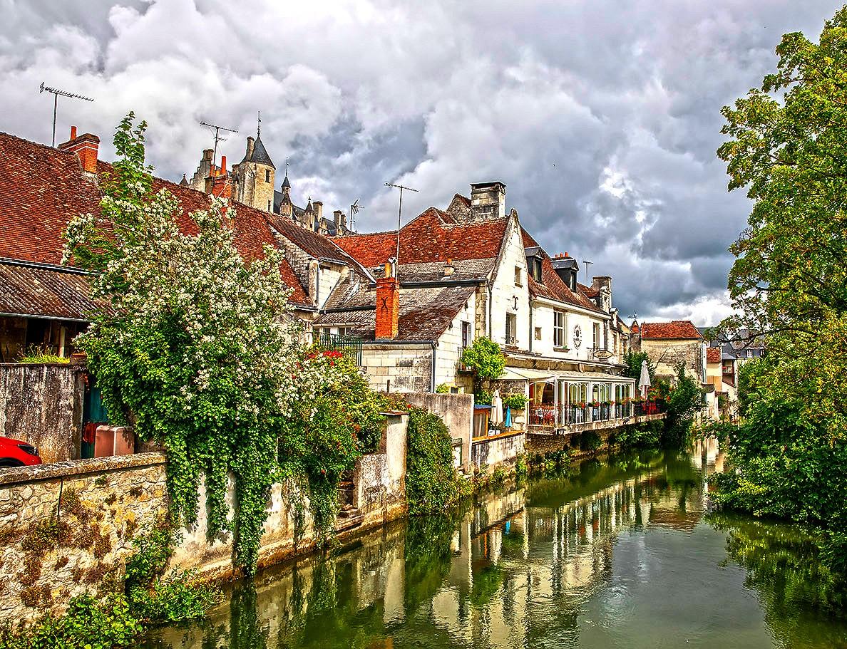 Пазл Собирать пазлы онлайн - Лош Франция