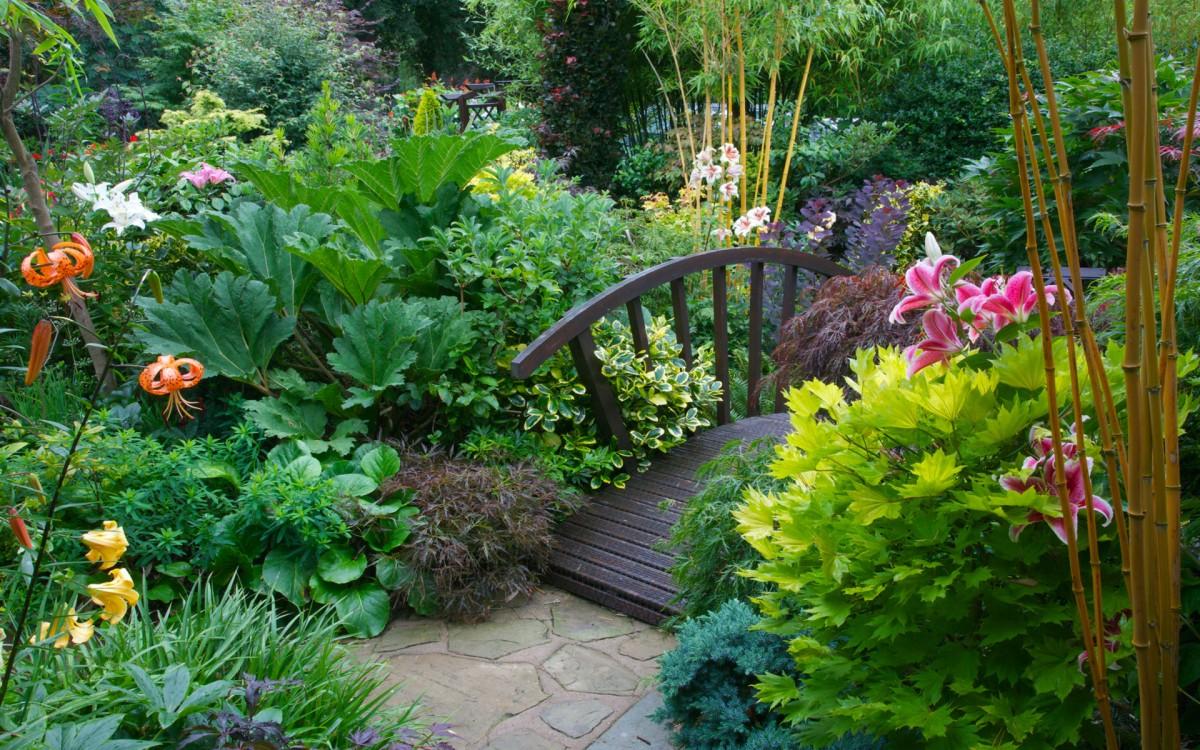 Пазл Собирать пазлы онлайн - Мост в саду