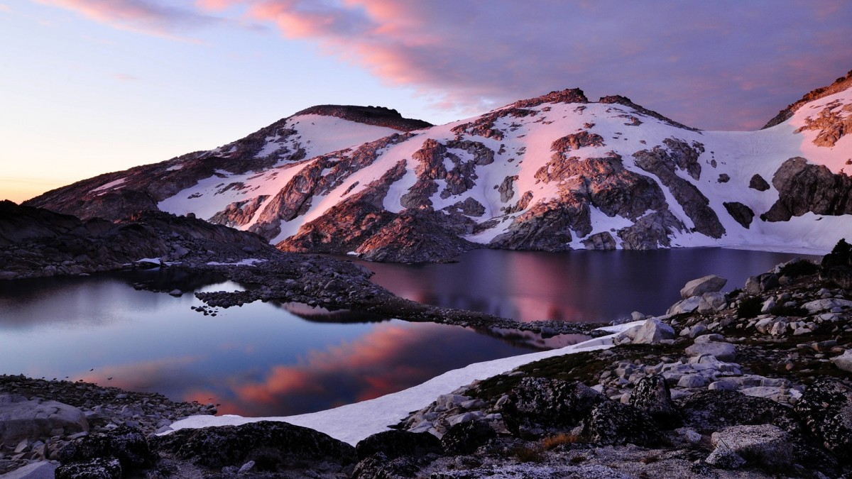 Пазл Собирать пазлы онлайн - Озеро в Альпах