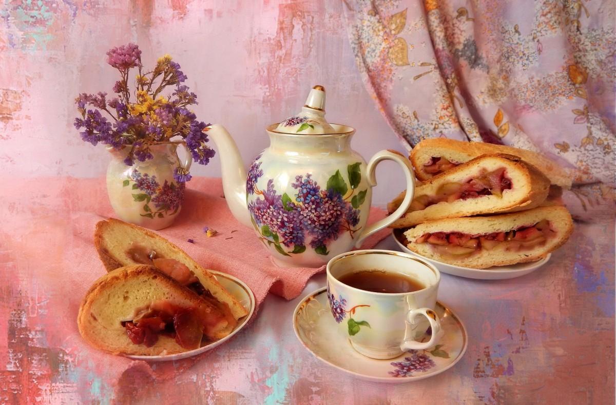 Пазл Собирать пазлы онлайн - Пирог и чай