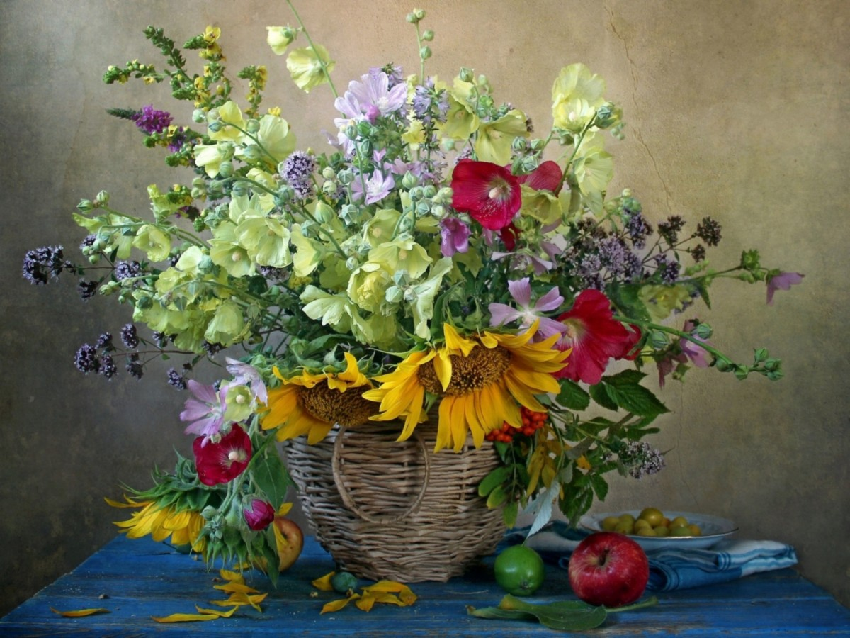 Пазл Собирать пазлы онлайн - Полна цветов корзина
