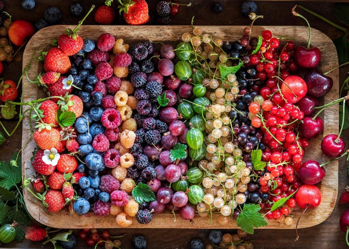 Пазл Собирать пазлы онлайн - Радуга ягод