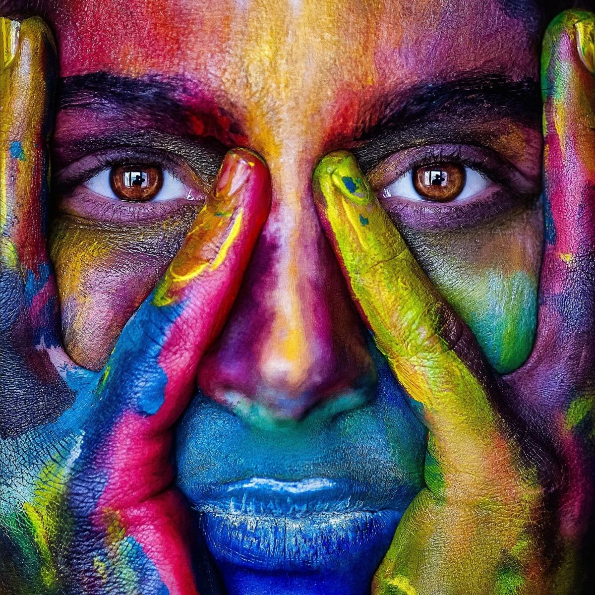 Пазл Собирать пазлы онлайн - Разноцветное лицо