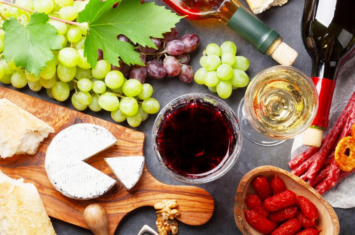 Пазл Собирать пазлы онлайн - Сыр и вино