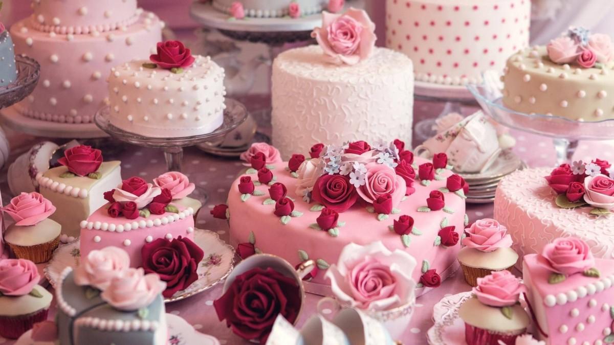 Пазл Собирать пазлы онлайн - Свадебные торты