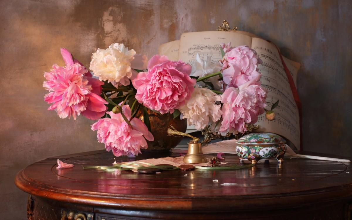 Пазл Собирать пазлы онлайн - Цветы и ноты