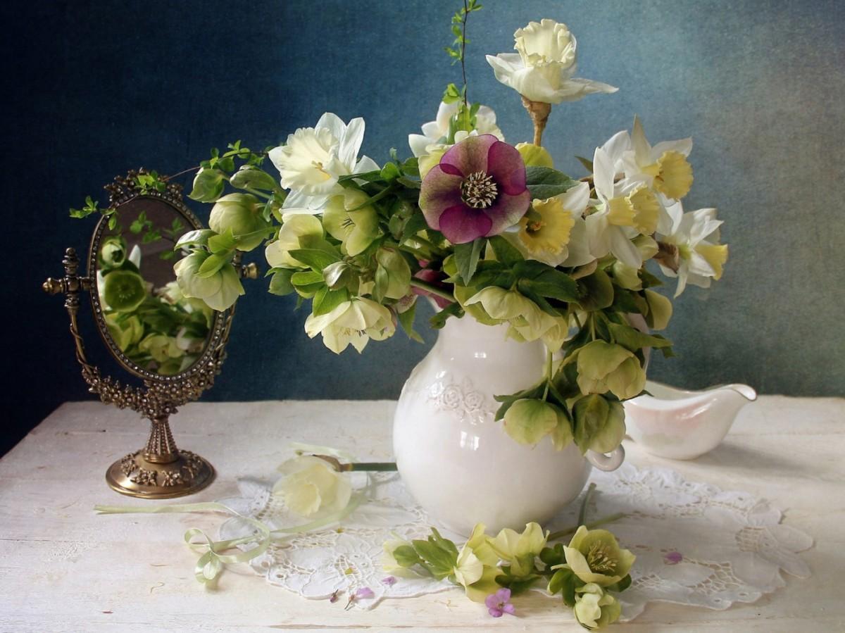 Пазл Собирать пазлы онлайн - Цветы у зеркала