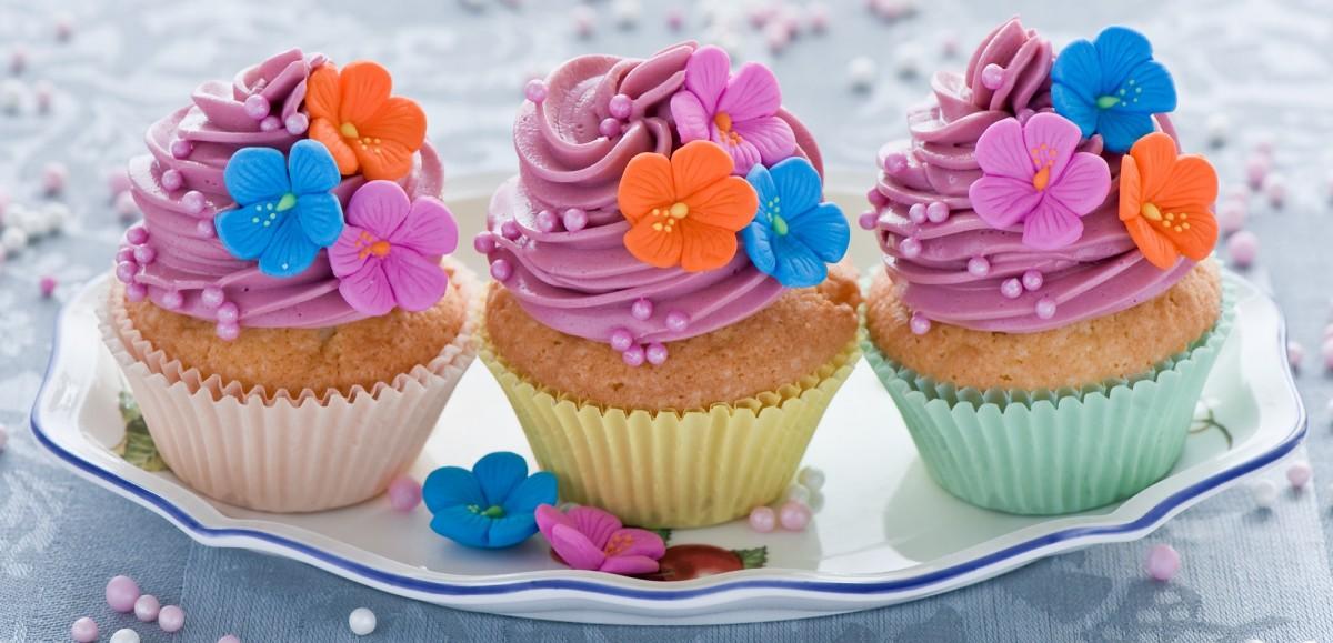 Пазл Собирать пазлы онлайн - Цветочный десерт