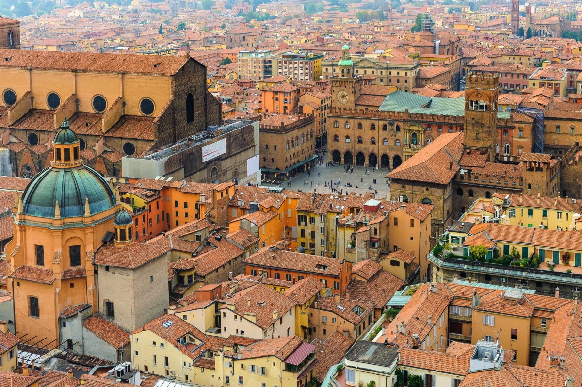 Пазл Собирать пазлы онлайн - Вид на Болонью