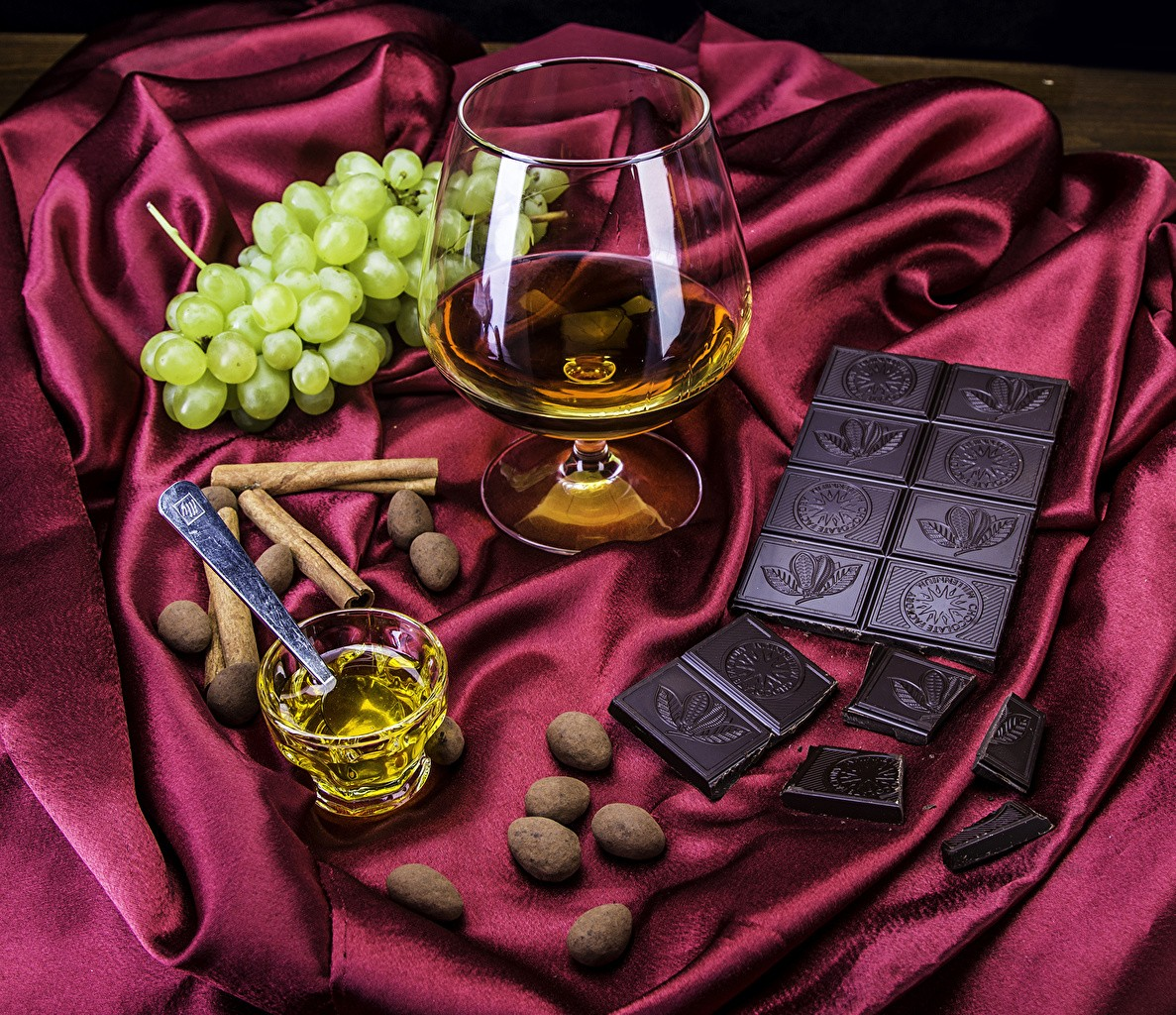 Пазл Собирать пазлы онлайн - Коньяк и шоколад