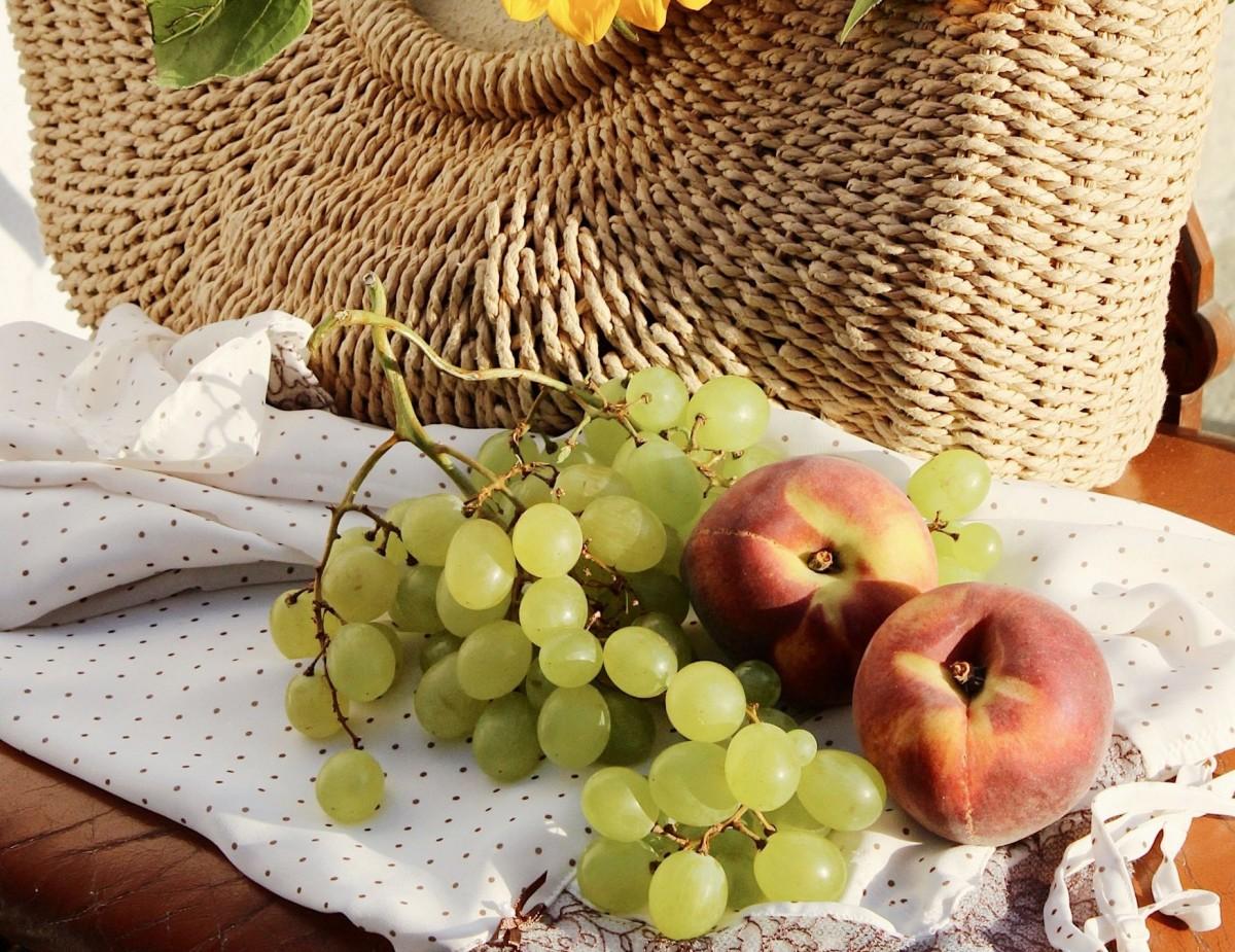 Пазл Собирать пазлы онлайн - Виноград и персики
