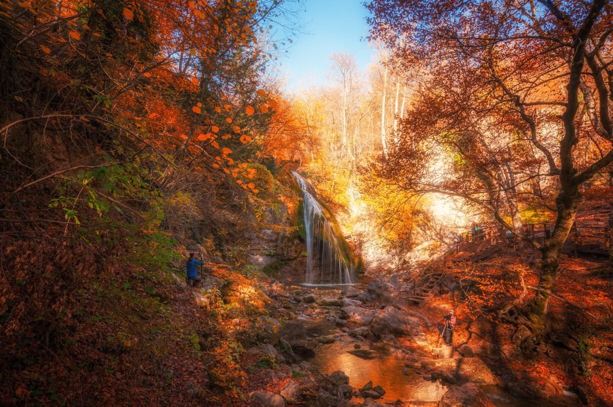 Пазл Собирать пазлы онлайн - Водопад утром