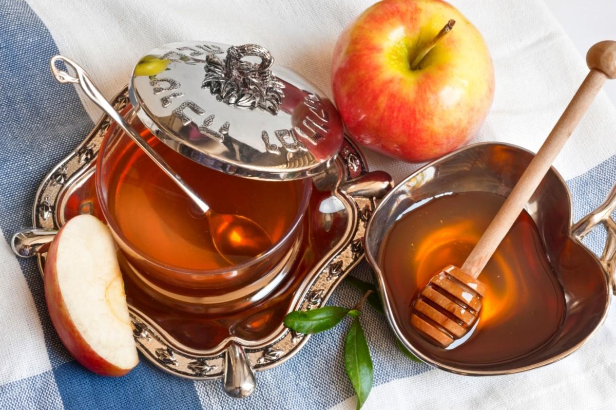 Пазл Собирать пазлы онлайн - Яблоко с мёдом