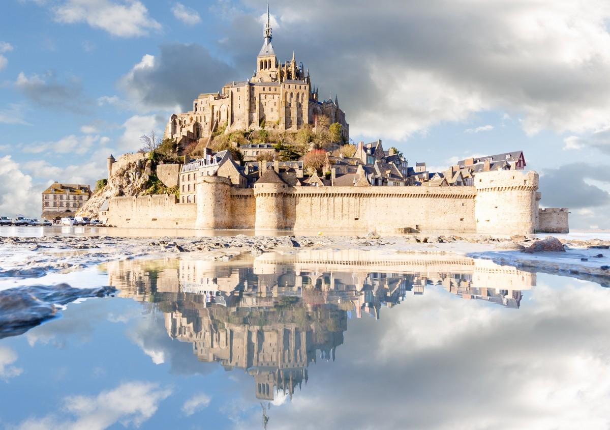 Пазл Собирать пазлы онлайн - Замок и отражение