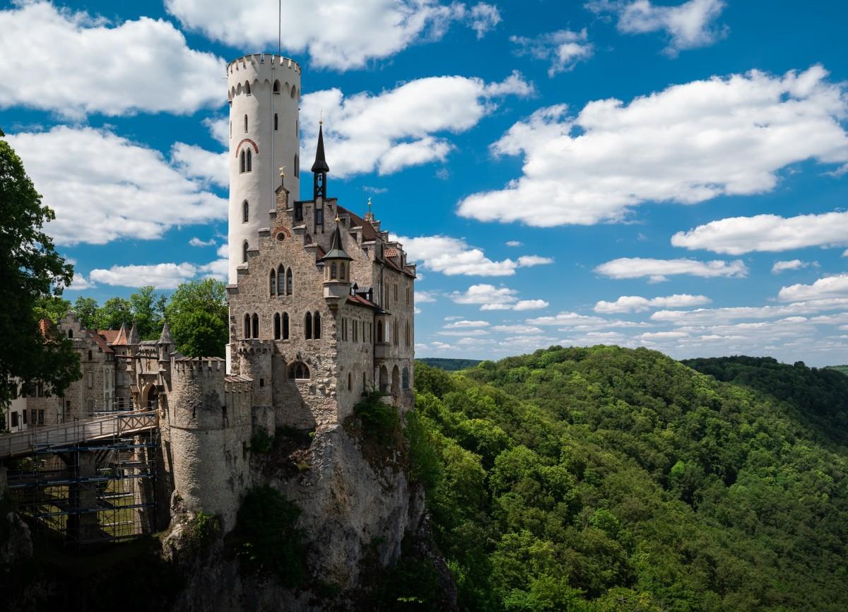 Пазл Собирать пазлы онлайн - Замок Лихтенштайн
