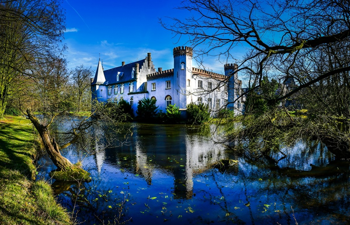 Пазл Собирать пазлы онлайн - Замок Stapelen