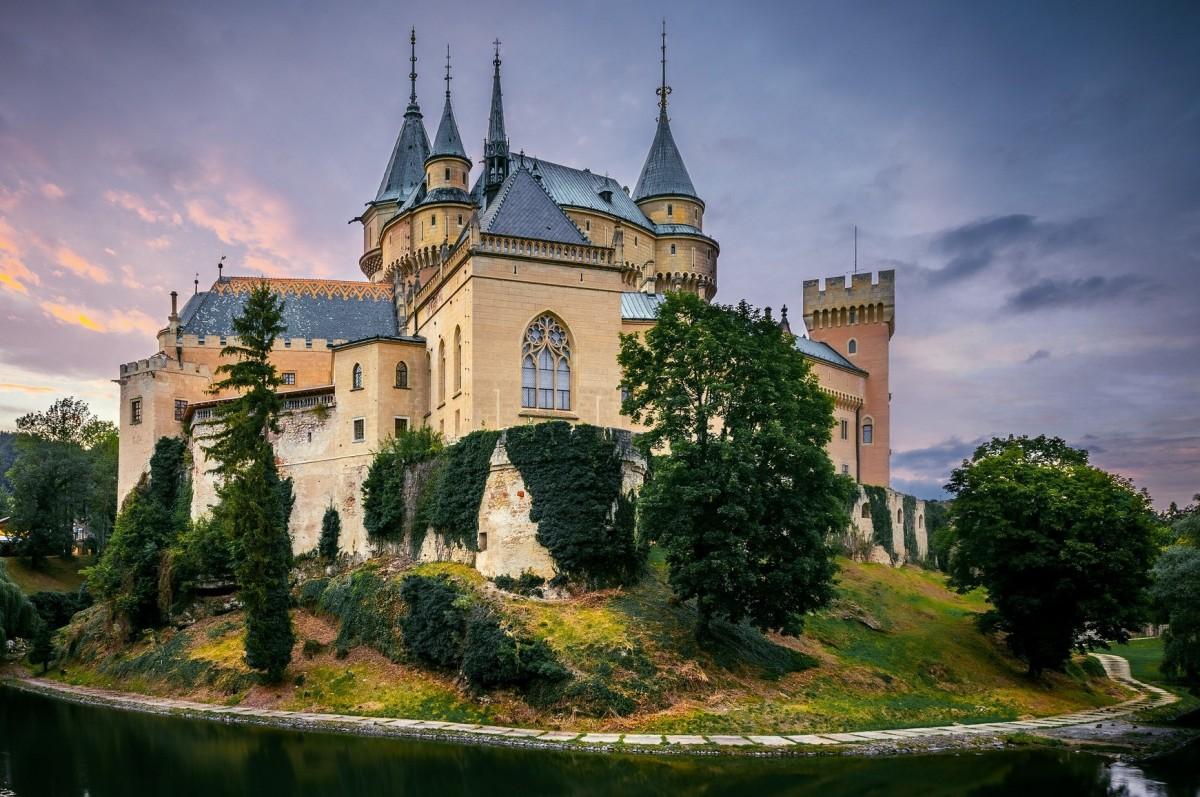 Пазл Собирать пазлы онлайн - Замок в Словакии