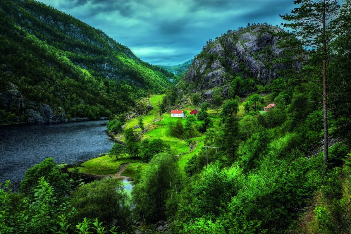 Пазл Собирать пазлы онлайн - Зелёная Норвегия