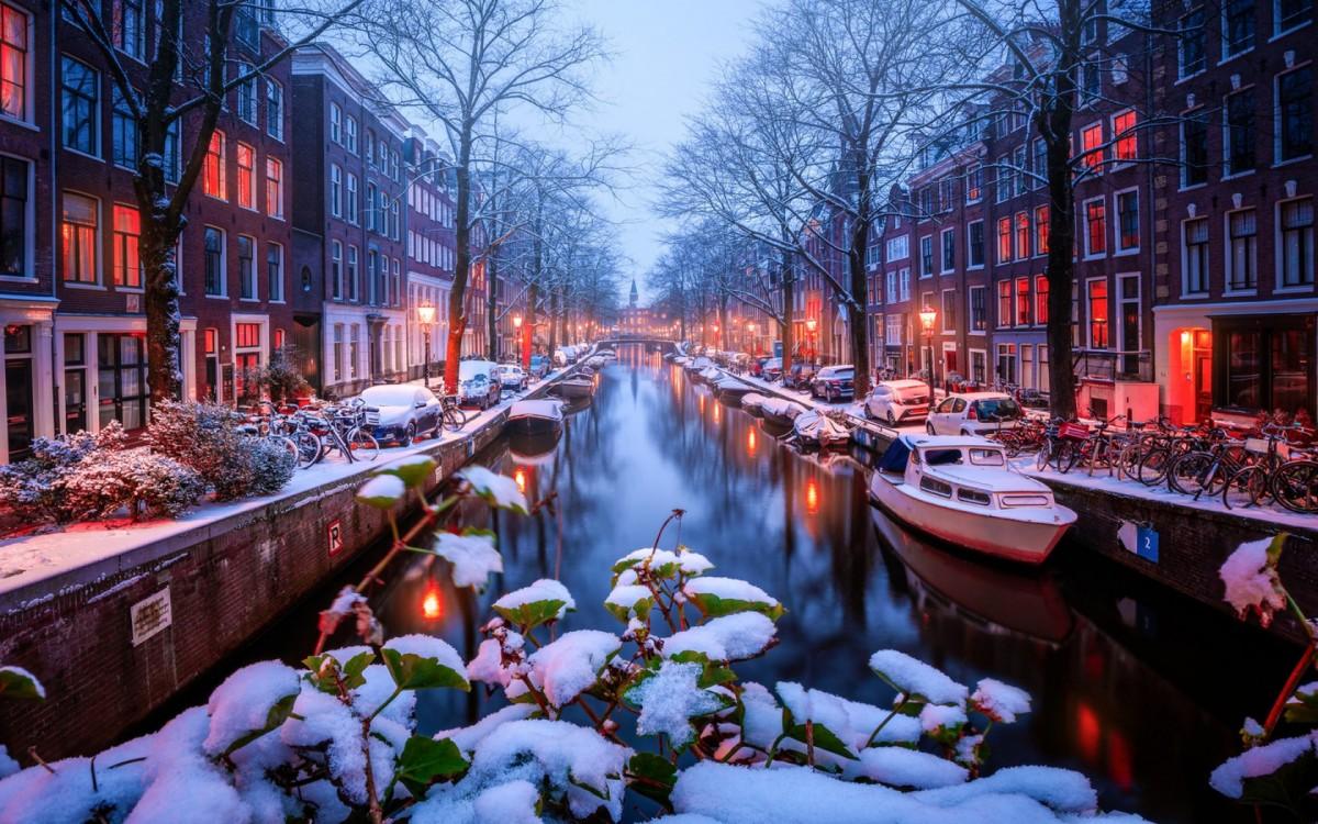 Пазл Собирать пазлы онлайн - Зимний Амстердам
