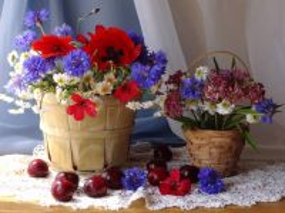 Собирать пазл Натюрморт с васильками  онлайн