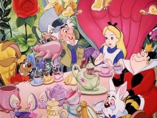 Собирать пазл Алиса в стране чудес  онлайн