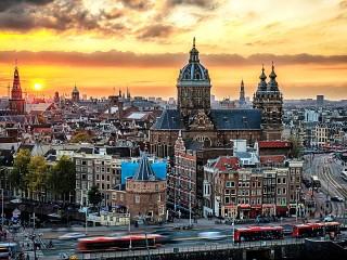 Собирать пазл Aмстердам онлайн