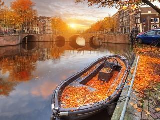 Собирать пазл Амстердамская осень онлайн