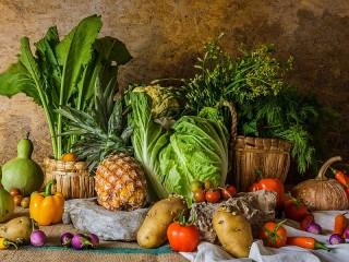 Собирать пазл Ананас и овощи онлайн