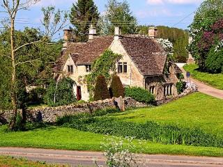 Собирать пазл Английская деревня онлайн
