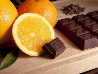 Собирать пазл Апельсин и шоколад онлайн