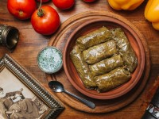 Собирать пазл Армянская толма онлайн