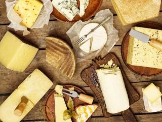 Собирать пазл Ассортимент сыров онлайн